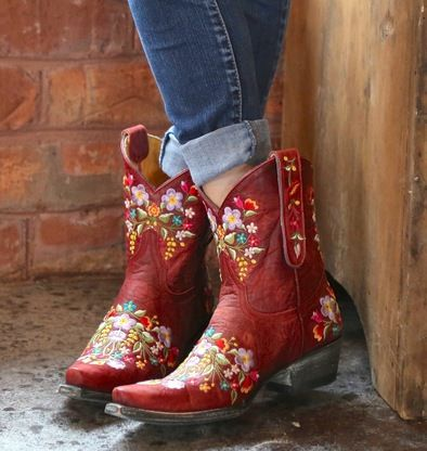 Shop the Old Gringo Sora Red Boot L841-9 at Rivertrail Mercantile.  Enjoy fast and free shipping on all Old Gringo Sora style boots for women.