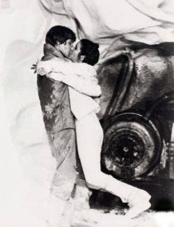 Hmmm, interesting...Mark Hamill and Carrie Fisher-Empire Strikes Back
