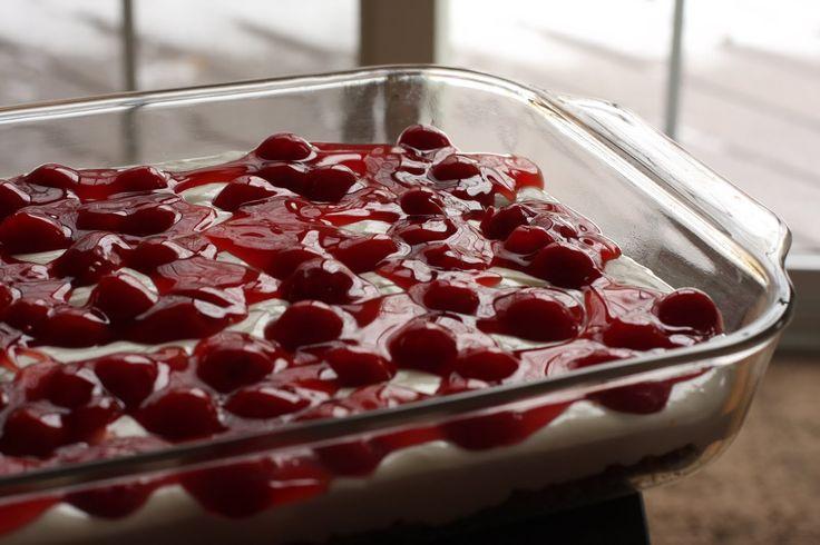 Meggyes csokoládés finomság sütés nélkül, csodás ízű édesség, sokkal jobb mint a meggyes pite!