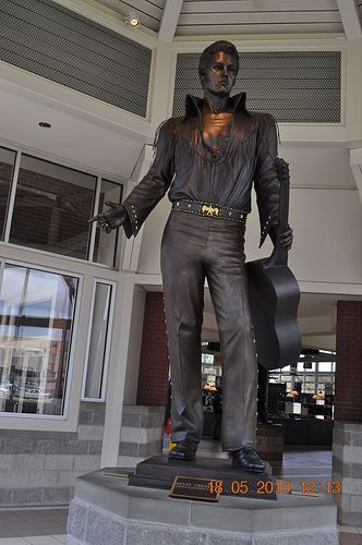Elvis Presley Statue at Welcome Center Memphis, Tn