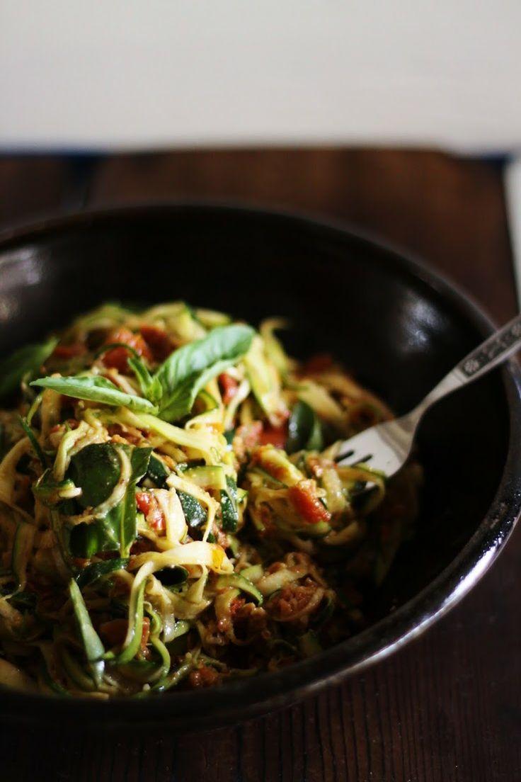 303 best raw vegan pasta images on pinterest vegetarian food zucchini spaghetti w sun dried tomatoes basil vegan raw gluten forumfinder Image collections