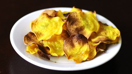 Baked Beet Chips--Roasted beets may not make your kids go-to list, but these beet chips should have a better shot.