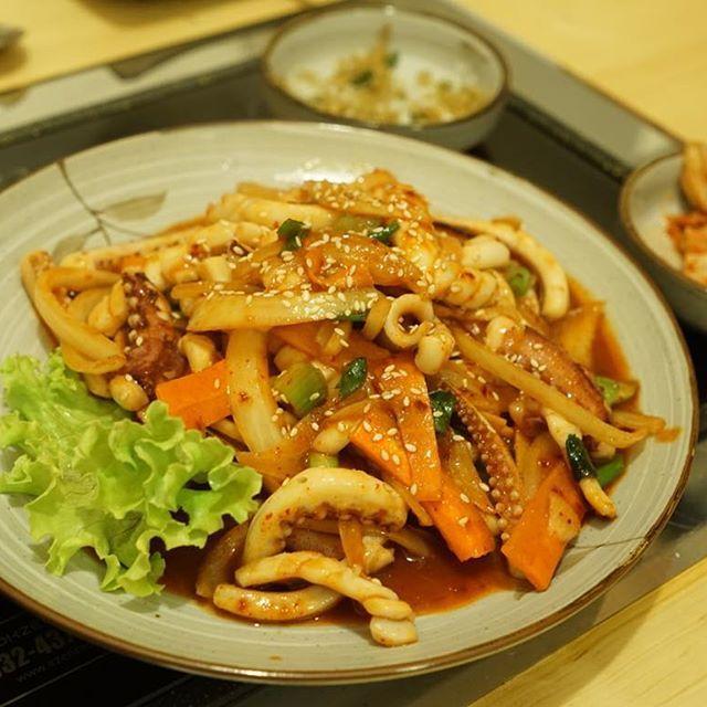 Found a korean restaurant in Florence, Italy. It's not as great as one in Korea but still helps me :) #florence #firenze #koreanfood #koreanrestaurant #squid #spicyfood #spicysquid #italy #food #foodie #음식 #맛스타그램 #instafood #foodporn #먹스타그램 #냠스타그램 #냠냠 #이탈리아 #피렌체 #플로렌스 #강남식당 #먹방  www.yum-korea.com/ #yumkorea on facebook