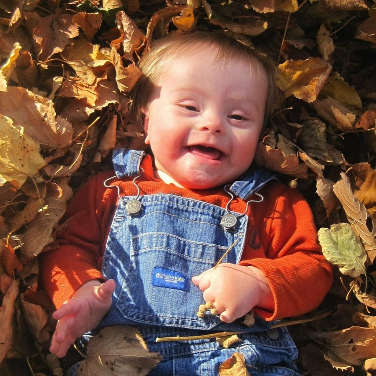 Alegría contagiosa!! Niño con Síndrome Down.