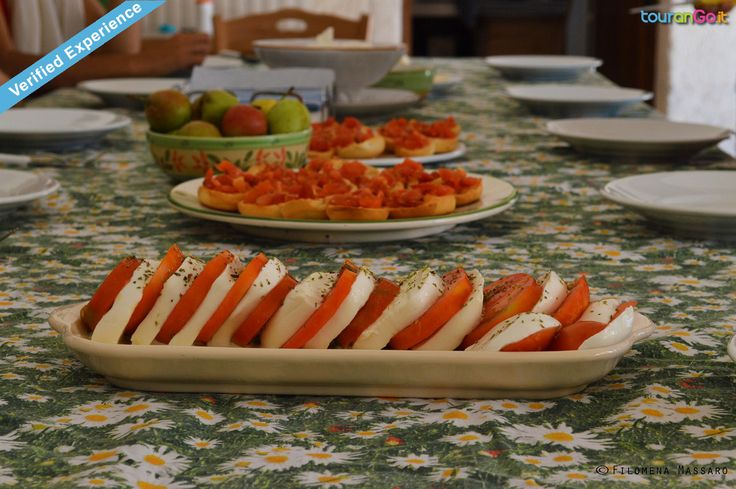 Il gusto della Puglia in tavola! Eat like local... Apulia taste on table! Eat like local ... #tomatoes #salad #mozzarellacheese #tourango #livelikealocal #Lecce  #Salento #Puglia