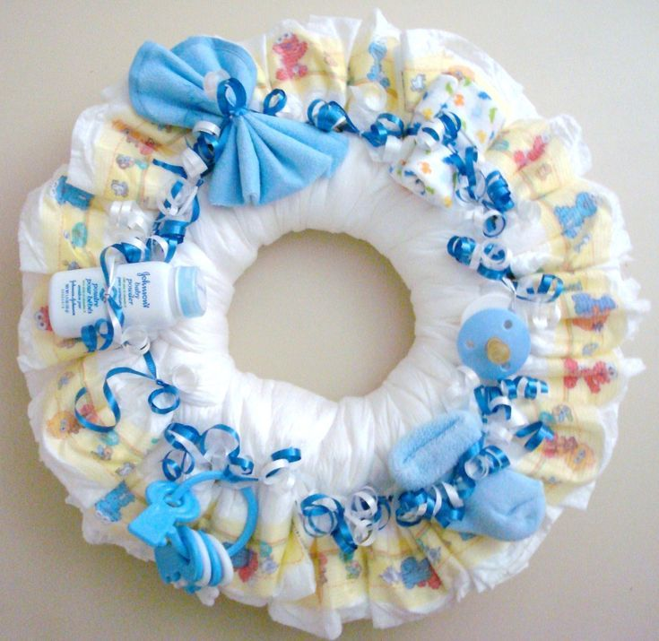 The 25+ best Diaper wreath ideas on Pinterest | Baby wreaths, Grey ...
