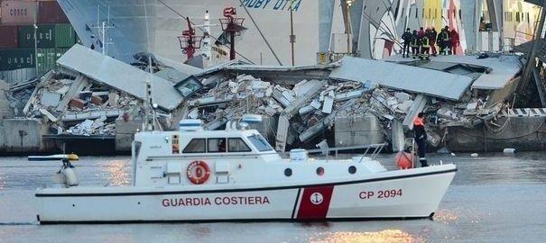 Accident de Gênes: le propriétaire du bateau tient les remorqueurs pour responsables