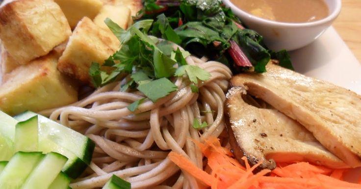 Les salades froides de soba j'adore ça depuis que j'ai testé pour un défi Daring Cooks . C'est devenu ma recette rapide par excellence et j...