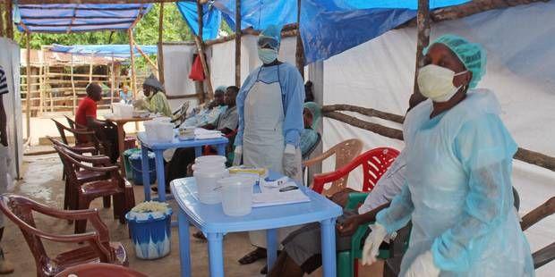 Rohamosan romlik az Ebola járvány helyzet Afrikában