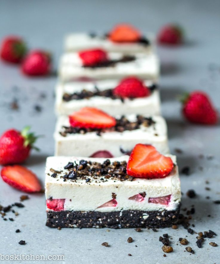 Strawberry cookies and cream cheesecake is here! There seems to be so many cookies and cream recipes about lately, I couldn't resist making my contribution with this delicious slice. It took …