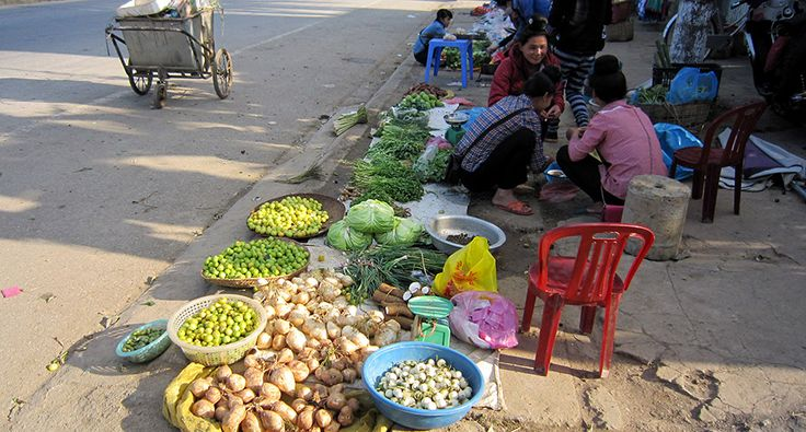 Son La - street market. #vietnam #sonla #market #travel