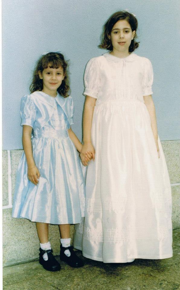 Dois vestidos lindos, mas que pode aprender nas aulas de costura Lina Matias, inscreva-se através através do telemóvel 963 636 943, ou do e-mail formadora.costura@gmail.com