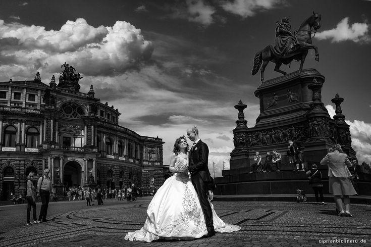 Hochzeitsfotograf Dresden - Hochzeit auf einem historischen Dampfer in Dresden und Brautpaarshooting in Altstadt Dresden