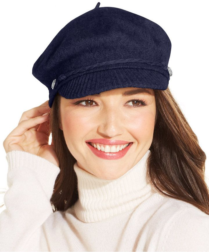 €39, Gorra Inglesa Azul Marino de Lauren Ralph Lauren. De Macy's. Detalles: https://lookastic.com/women/shop_items/110005/redirect