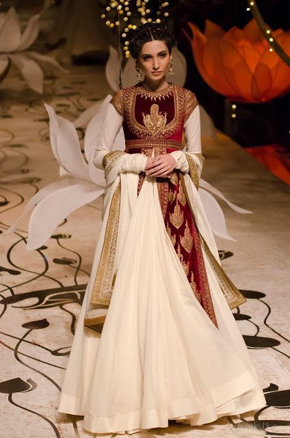 Rohit Bal's collection for India Bridal Fashion Week #RohitBal #fashion #style #couture #India