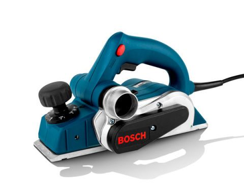 Ranking: ★ ★ ★ ★ ★ (Best Overall) Price: $153 Amperage: 6.5 Planing Width: 3¼ in. Max Depth of Cut: 3/32 in. Discharge Port: Left and right sides Likes: Bosch's tool excels on all fronts. It has power to spare and applies it precisely. It planes without vibration and leaves a glass-like finish. We also appreciate its tungsten–carbide knives—they stay sharp even in tough cutting. And in most cases its 10-foot-long cord eliminates the need for an extension. Dislikes: We'd like some overmold or…
