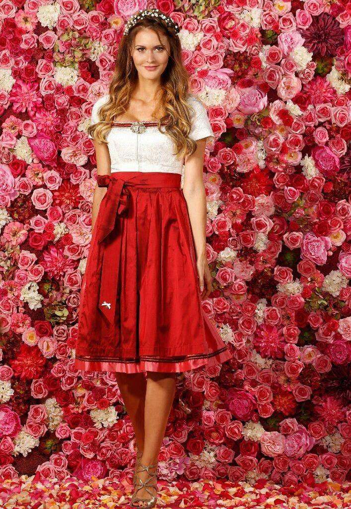 Bloggerin Julia Haupt bevorzugt den Glamour-Look (Foto ...