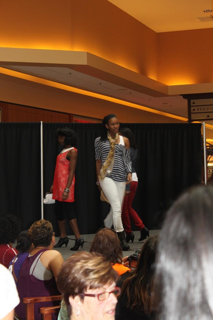 Back to School Fashion Show in Patrick Henry Mall  #ApricotLaneNPN