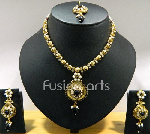 25 Best Ideas About Indian Jewelry Sets On Pinterest: Best 25+ Mughal Jewelry Ideas On Pinterest