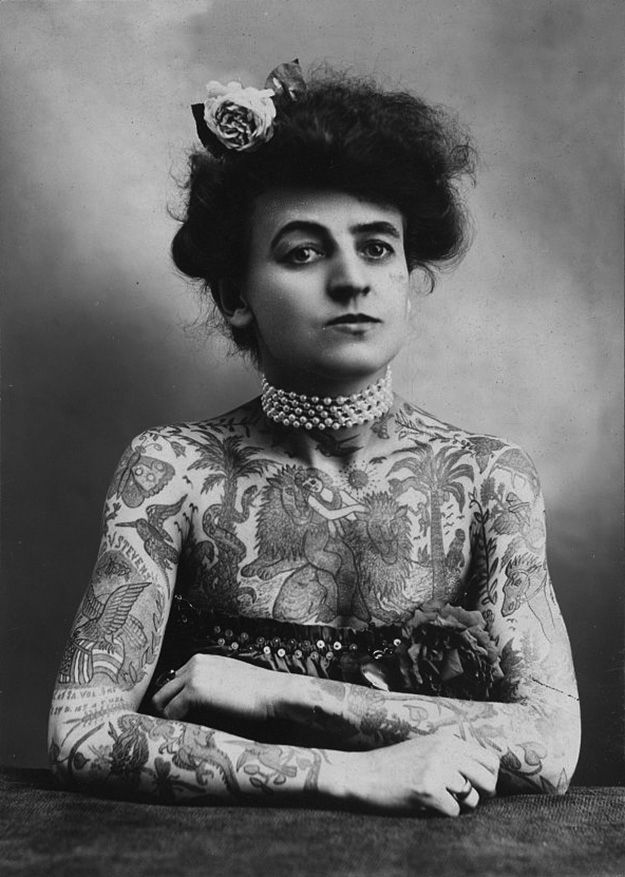 17 Kick-Ass Vintage Photos Of Women With Tattoos. Maud Wagner, the first well known female tattoo artist in the United States, 1907.