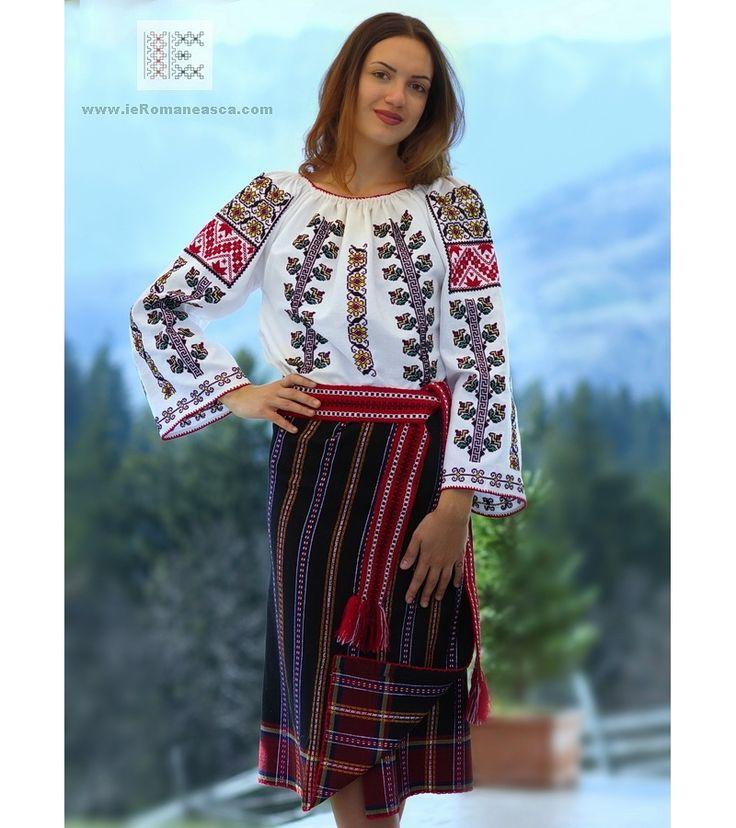Moldovan costume