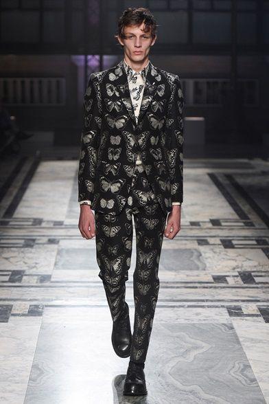 Sfilata Moda Uomo Alexander McQueen Londra - Autunno Inverno 2016-17 - Vogue