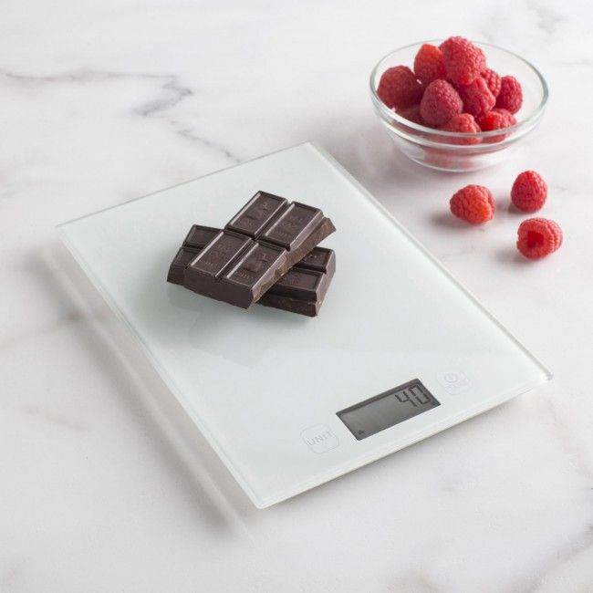 Our Cuisine Glass Digital Scale is capable of weighing liquid and dry ingredients up to 5kg / 11lbs with an accuracy of 0.05oz, or 1 gram.