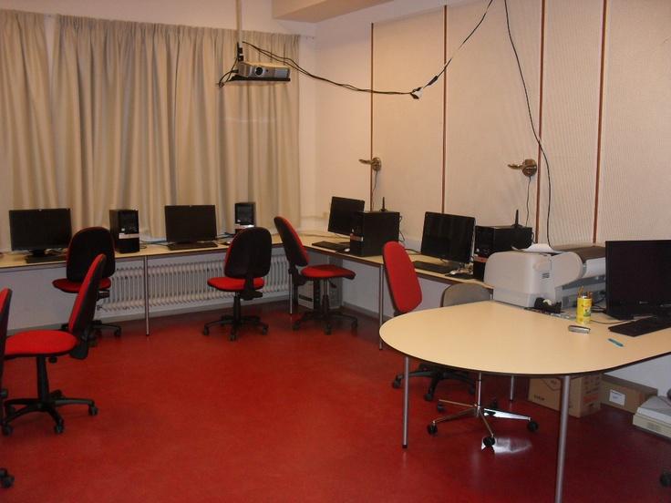 Computerlokaal van Muzelinck voor computerlessen of voor de cursus Photoshoppen