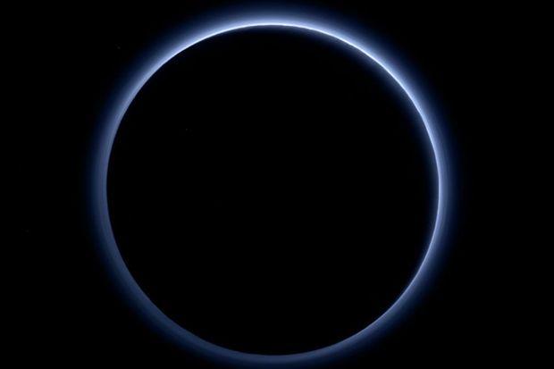"""Ce que la NASA avait à nous annoncer d'""""incroyable"""" sur Pluton"""