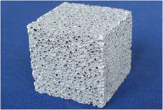Köpük beton, yoğunluğuna bağlı olarak duvar blokları, asmolen, prekast panel, çatıdan bodrum kata kadar yalıtım tesviye betonu (şap) ve süs elemanları-panelleri, dekoratif plakalar, pencere söveleri, hazır konut, prefabrik yapı, donatılı veya donatısız hazır bahçe duvarları, park ve bahçe peyzaj elemanları ve şehir mobilyaları üretiminde kullanılabilir.
