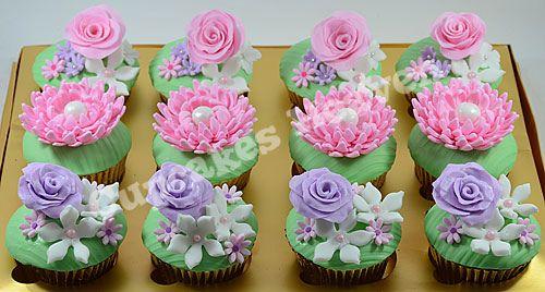 flower cupcakes again :)