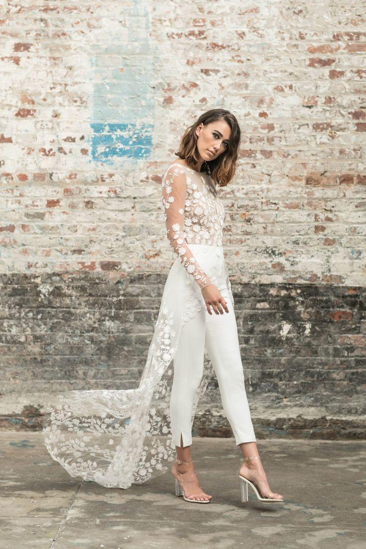 Rime Arodaky colección Civil 2018  #novias #vestidosdenovia #2018 #tendencias2018 #vestidosdenovia2018 #inspiration #weddingdress #rimearodaky #trends #bride #bridetobe #white