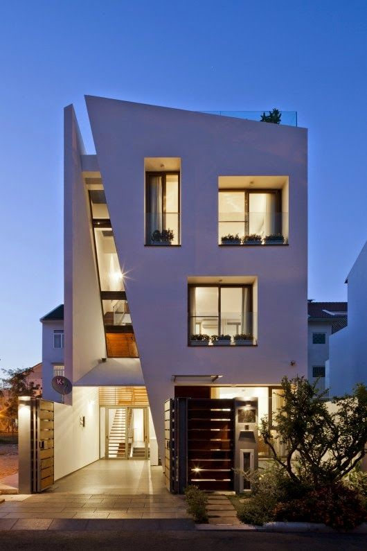 Great Spaces: Folding Wall House x NHA DAN ARCHITECT