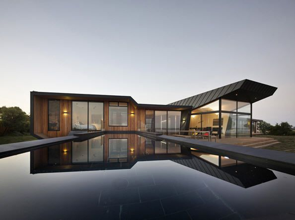 Contemporary house is located in Australia is entitled Beached House by the architectural firm BKK Architects. 01