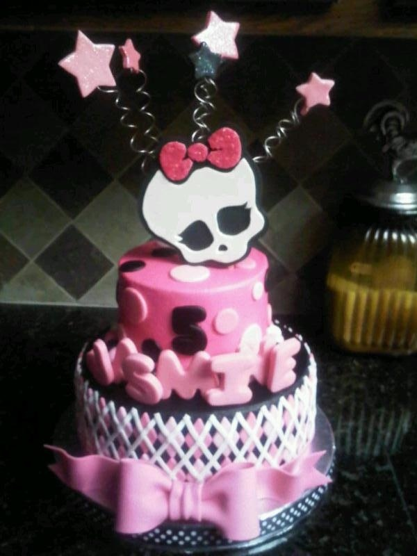 "Monster High Birthday - 9"" and 6"", buttercream with fondant/gumpaste acents"