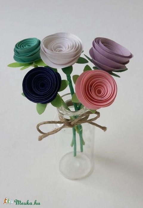 Kis virágcsokor II (gyongypapir) - Meska.hu