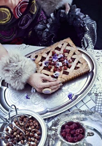 Rasberry & nut cake