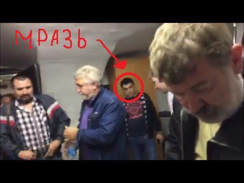 Трусливая мышь лев дмитриев выгоняет избирателей из штаба ПАРНАС в Питере.