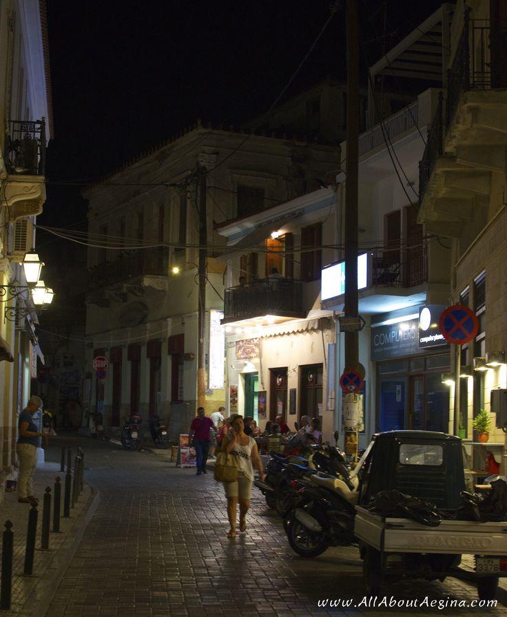Wandering through the narrow streets of Aegina...