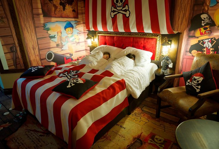 I like the bold red stripes for pirate bedroom. Might a done pirate to hunters shark room