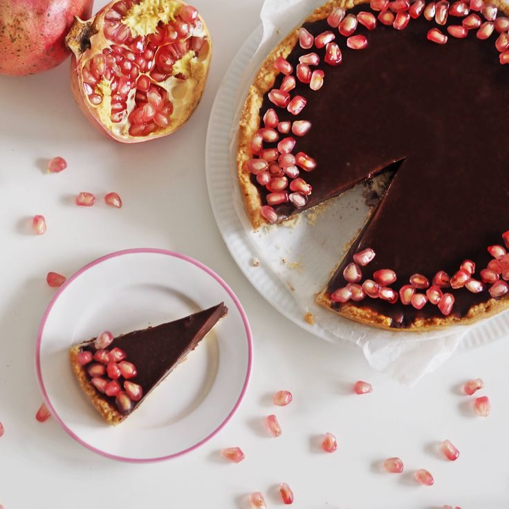 Reb's kitchen: chocolate tart with pomegranate by www.fresshion.com