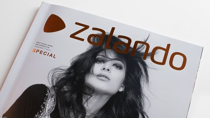Zalando, Europe's leading online-only shoe, fashion and accessory retailer, has integrated Layar's technology into its iOS app for an exclusive Augmented Reality experience. The video shows some of the 15 interactive pages. #Holiday issue @zalandode https://www.layar.com/news/blog/2014/11/26/zalando-adds-layar-sdk-for-holiday-issue/