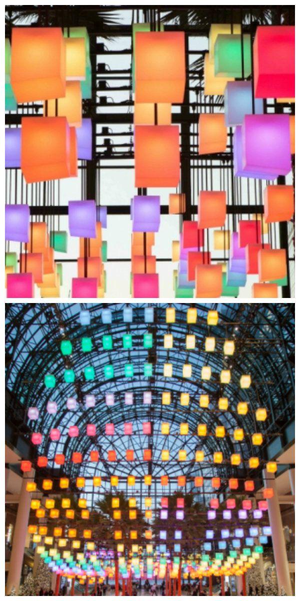 Актуальная светящаяся конструкция радует глаз посетителей зимнего сада финансового центра в Манхэттене, погружая их в светящийся купол из 650 светодиодных фонарей, каждый из которых способен изменять цвет и интенсивность свечения. #светодиоды #освещение #подсветка #свет #светодизайн #дизайнсвета #светодиоднаяподсветка #светодиодноеосвещение #световаяинсталляция #светильники #светодиодныесветильники #дизайн #декор