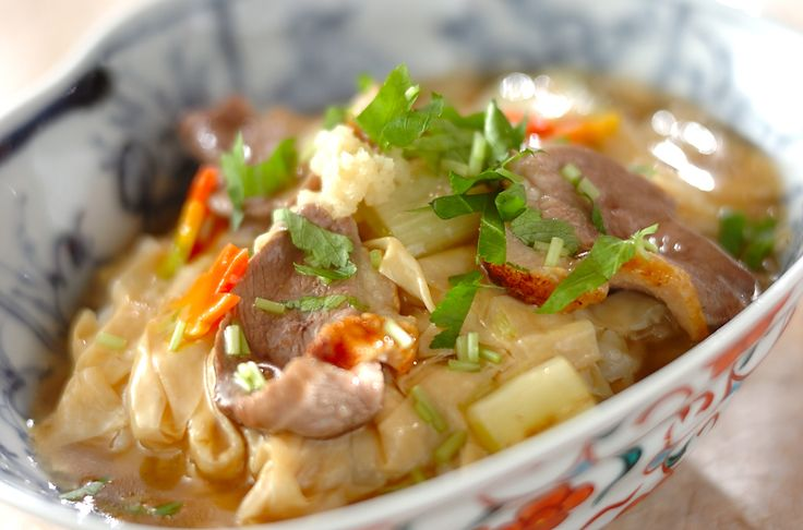 ちょっと高級な鴨肉を使った丼。体の中から温まるあんかけがポイント。鴨と湯葉のあんかけ丼/松原 いく子のレシピ。[和食/ご飯もの(寿司、ご飯、どんぶり)]2007.01.22公開のレシピです。