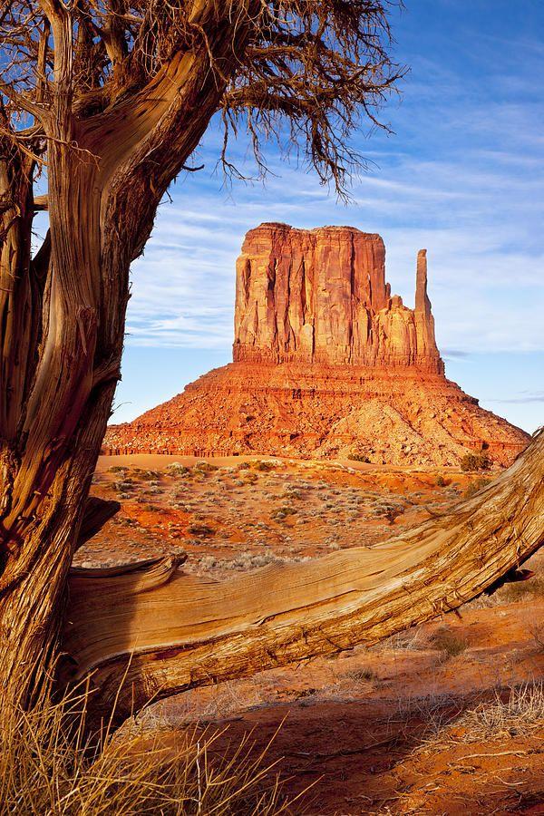 West Mitten, Monument Valley, Navajo Tribal Park, Arizona; photo by Brian Jannsen
