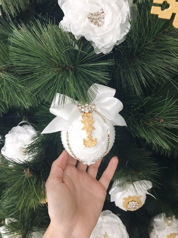 White Christmas Ornaments Set Christmas Tree Ornaments Etsy White Christmas Ornaments Handmade Christmas Ornaments Christmas Ornaments