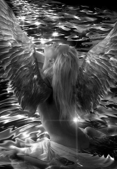 PIĘKNE ZMYSŁOWE ZDJĘCIA ,KARTKI I GIFY: Kobieta anioł