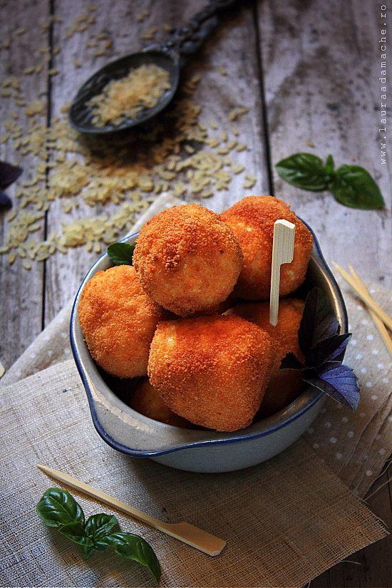 Crochete de orez umplute cu cascaval (crochete de orez)