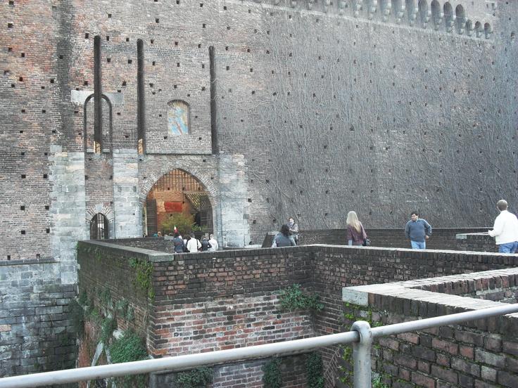 Palazzo Sforza (entrance), Milano