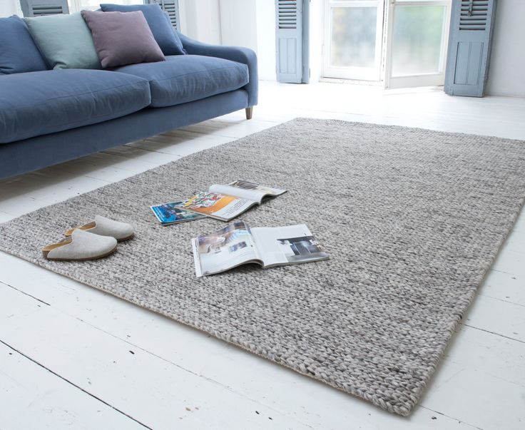 Loaf's chunky knit Yarn rug is handmade in Varansai, India.